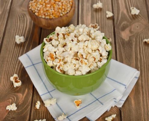 DM_Popcorn in a bowl_78248283