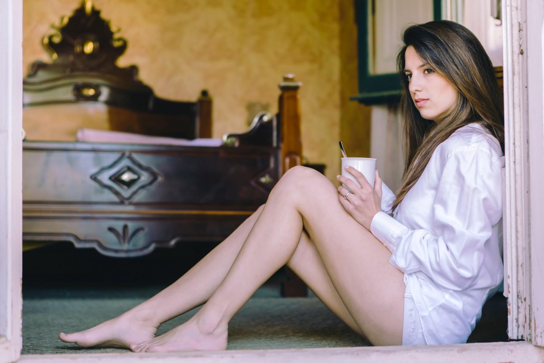 BM_woman on floor in bedroom_82367380_1