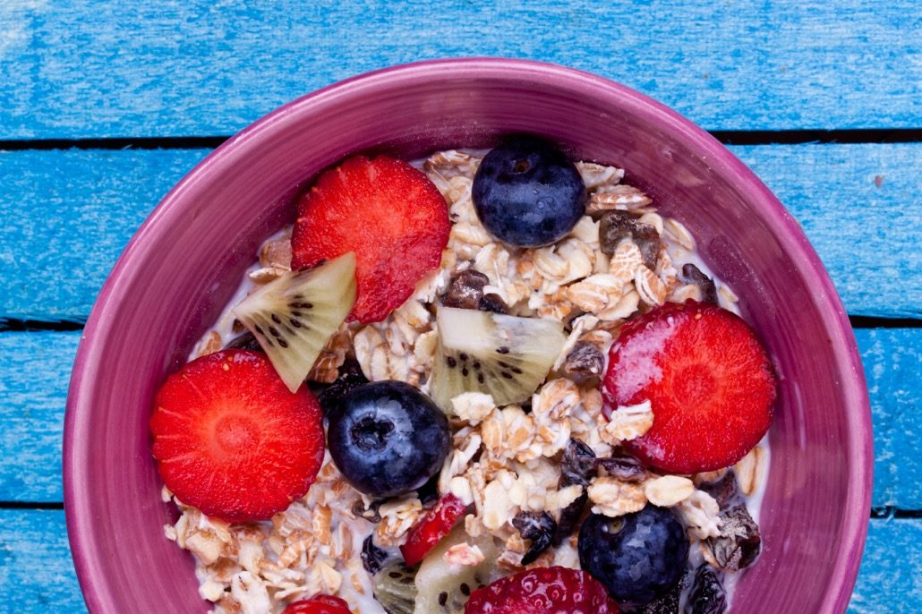 BM_muesli with fruits_79297817