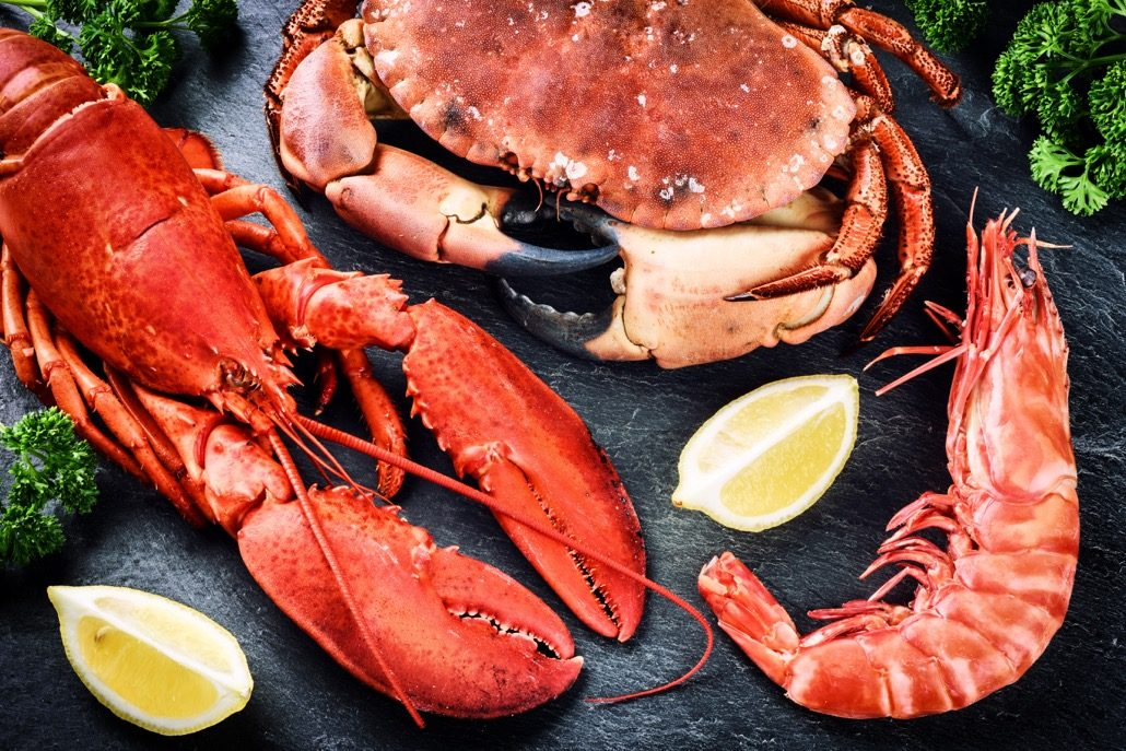BM_Fine selection of crustacean for dinner. Lobster, crab and jumbo_102244442