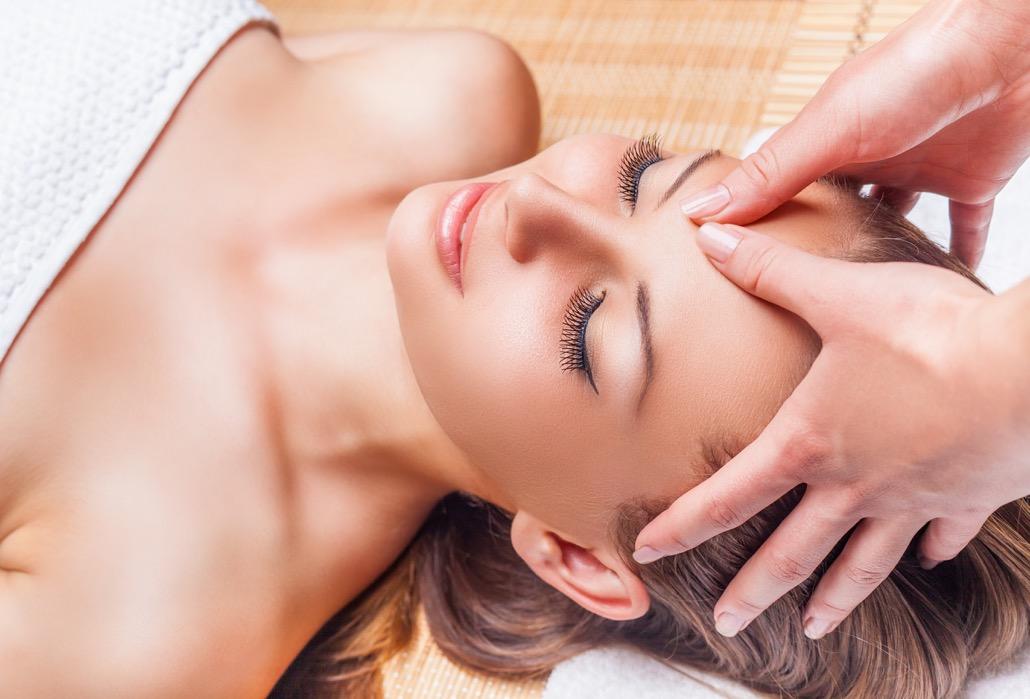 bm_facial-massage_90970276